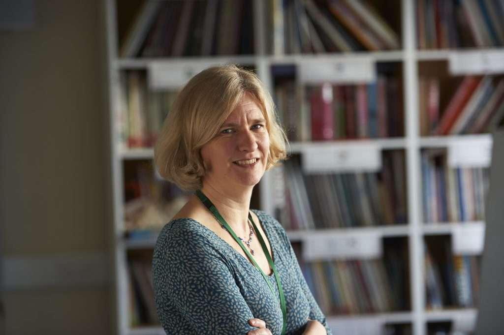 Susan Ebbels: «El reto principal de la logopedia es proporcionar un servicio que se base en evidencia y que sea efectivo en un clima de financiación reducida»