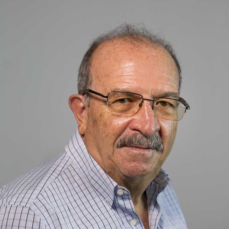 Dr. Julio Villalobos Hidalgo