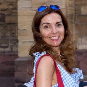 """Maite Avilés, estudiant del màster: """"La Comunicació Corporativa ha de servir per unir, enllaçar camins professionals"""""""