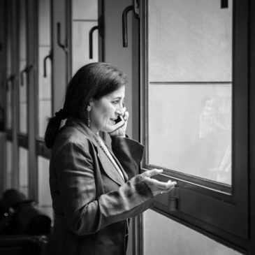 Els alumnes de Comunicació Corporativa i Relacions Institucionals, entrevisten a la seva professora col·laboradora: Lola Bañon Castellón