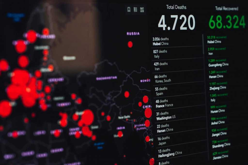"""Alberto Cairo: """"Los datos nunca dan una visión completa de una noticia. Necesitamos la parte humana"""""""