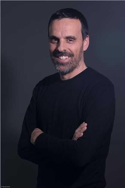 "Roc Massaguer (Outconsumer): ""En Twitch lo importante es vivir juntos el contenido"" | Podcast Parenthesis"