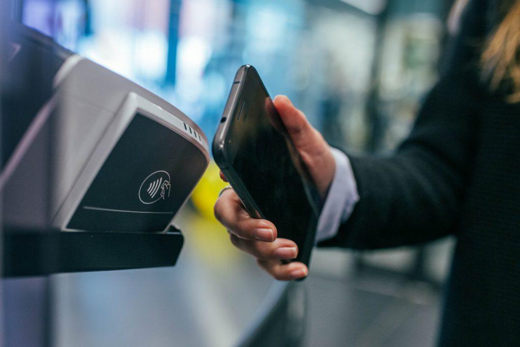 El comportamiento del consumidor y los pagos móviles: Una transformación en la manera de pagar