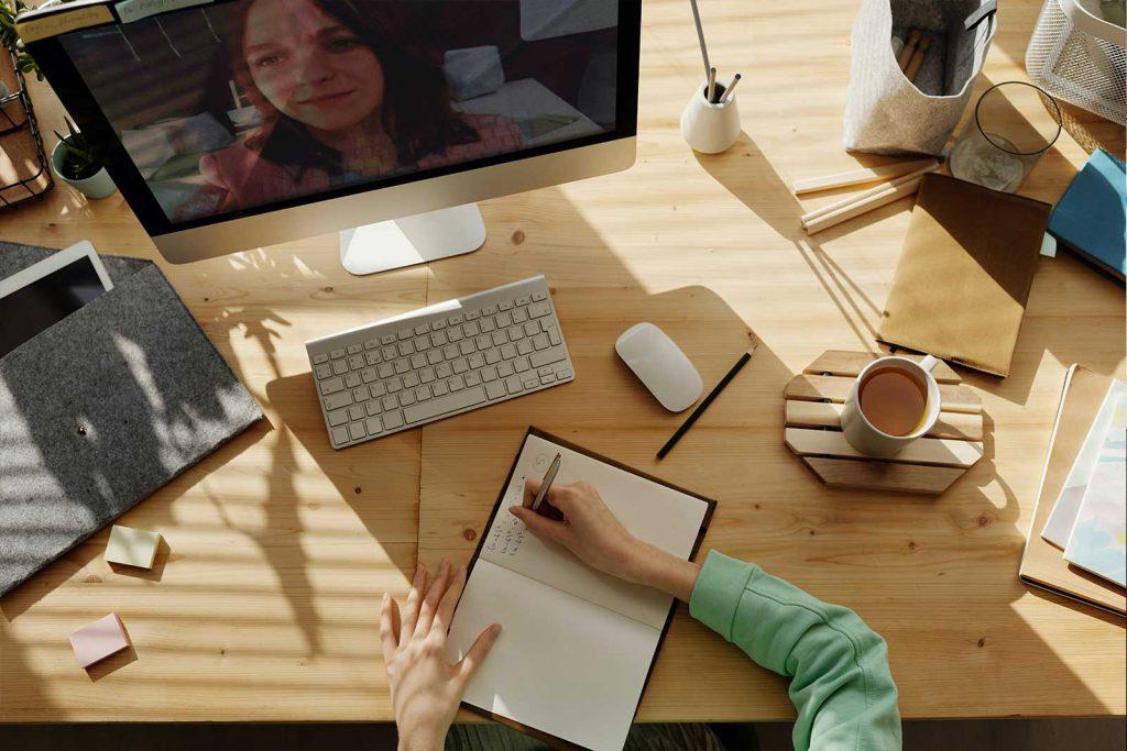 Com dissenyar activitats motivadores per a l'aprenentatge en línia de la comptabilitat