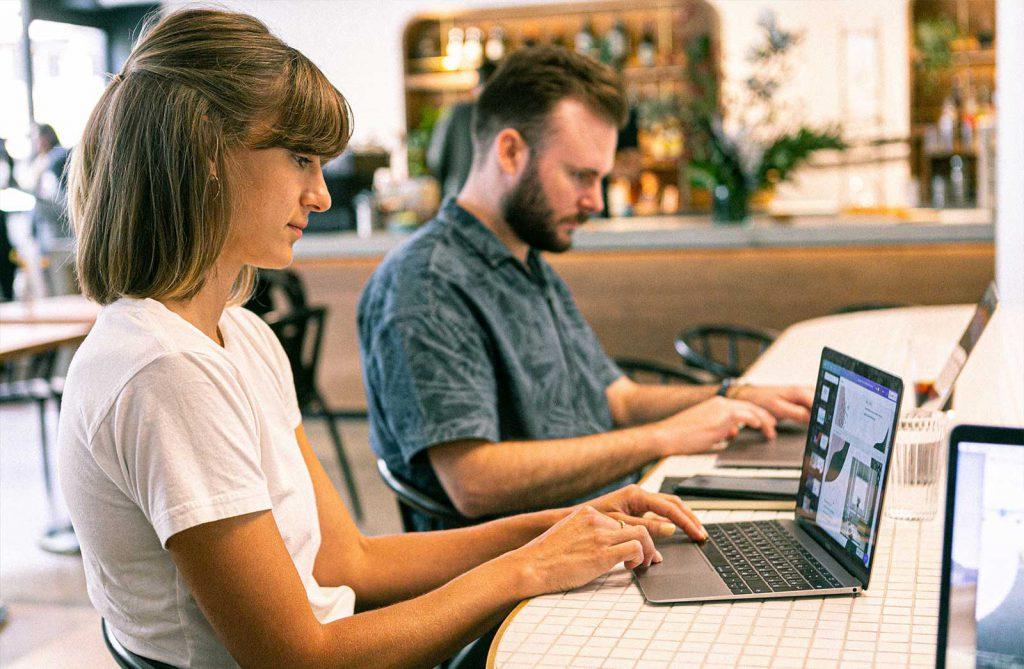 Cómo aprovechar la formación en línea para redefinir el sector turístico