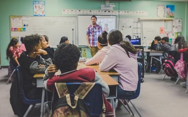 Prácticas restaurativas para combatir el acoso escolar