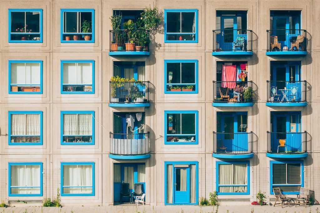 Las restricciones al uso turístico de viviendas particulares en tiempos de pandemia: ¿son compatibles con la libre prestación de servicios en la Unión Europea?