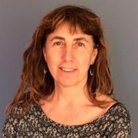 Francina Martí: «El siglo XXI pide buenos equipos de maestros que se formen continuamente por el diálogo, el intercambio y el contraste con profesionales de entornos diversos»