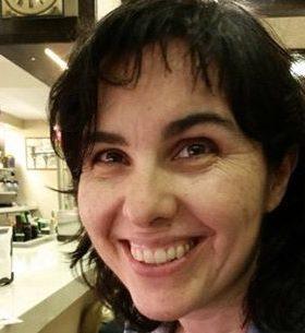 """Elena Ferro: """"La nostra feina és obrir finestres al món més enllà de la seva realitat"""""""