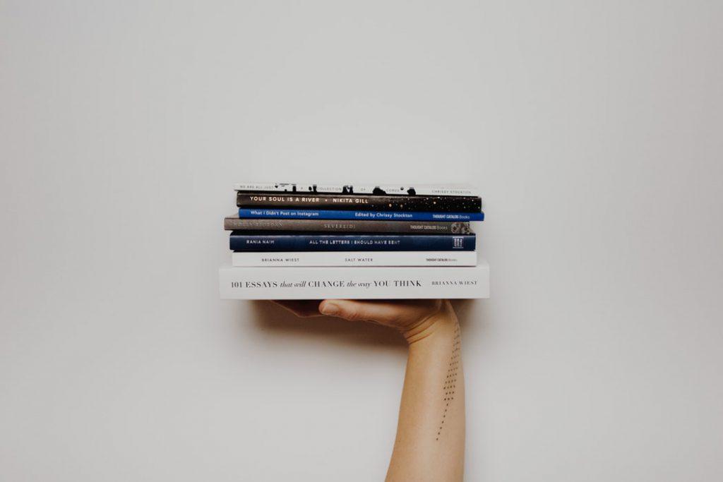 Cinco libros para explorar el comportamiento, el pensamiento y las emociones humanas