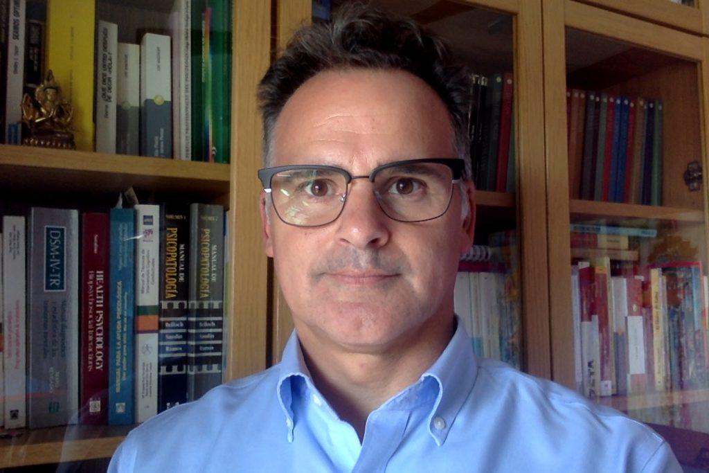 Miguel Ángel Díaz-Sibaja: «La mejor manera de enseñar es el refuerzo positivo»