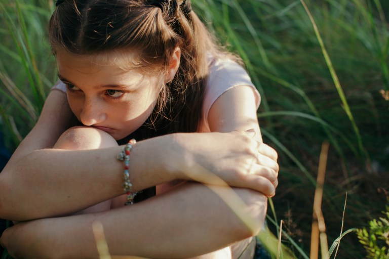Cómo gestionar el proceso del duelo en la infancia