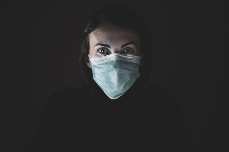 """""""Una ciencia que pone el cuidado en el centro debe descolonizarse, deconstruirse, despatriarcalizarse…"""" Ester Conesa — Cuidados, género y COVID-19"""