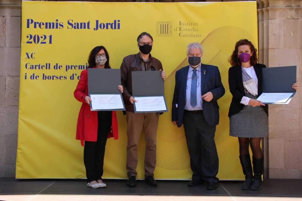 Los profesores de la UOC Maite Puigdevall, Joan Pujolar y Alba Colombo ganan el Premio Modest Reixach de Sociolingüística