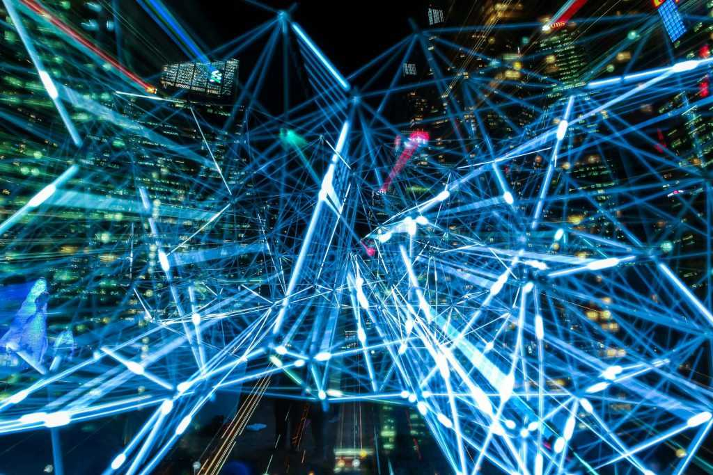 La importancia de la fibra óptica y el despliegue del 5G